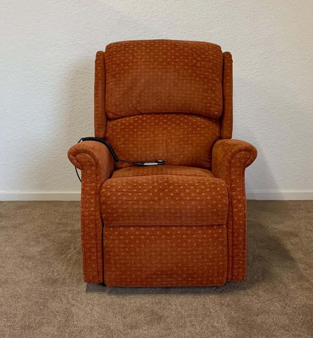Image 3 of CELEBRITY ELECTRIC RISER RECLINER DUAL MOTOR CHAIR DELIVERY