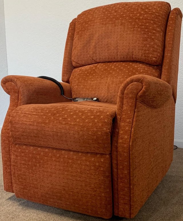 Preview of the first image of CELEBRITY ELECTRIC RISER RECLINER DUAL MOTOR CHAIR DELIVERY.