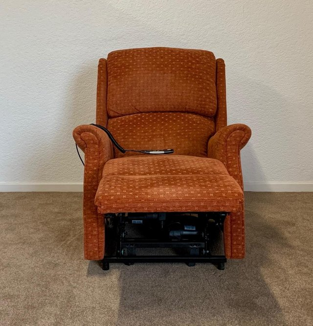 Image 7 of CELEBRITY ELECTRIC RISER RECLINER DUAL MOTOR CHAIR DELIVERY