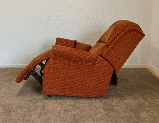 Image 11 of CELEBRITY ELECTRIC RISER RECLINER DUAL MOTOR CHAIR DELIVERY