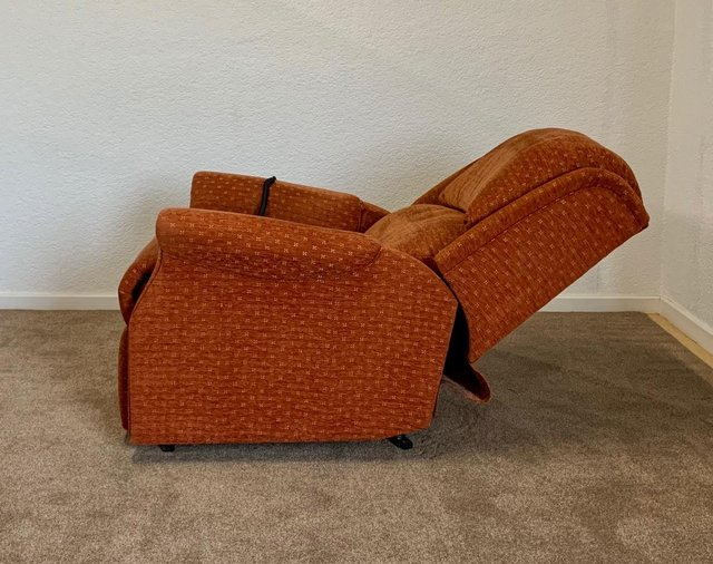Image 13 of CELEBRITY ELECTRIC RISER RECLINER DUAL MOTOR CHAIR DELIVERY