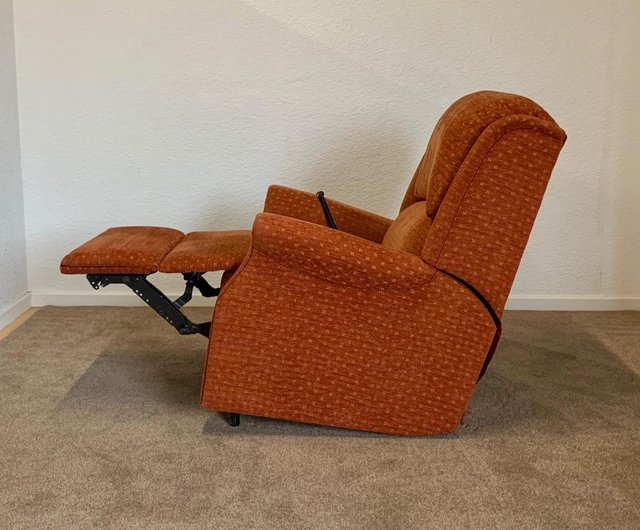 Image 14 of CELEBRITY ELECTRIC RISER RECLINER DUAL MOTOR CHAIR DELIVERY