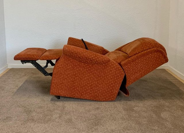 Image 16 of CELEBRITY ELECTRIC RISER RECLINER DUAL MOTOR CHAIR DELIVERY