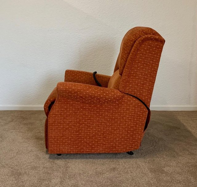 Image 17 of CELEBRITY ELECTRIC RISER RECLINER DUAL MOTOR CHAIR DELIVERY