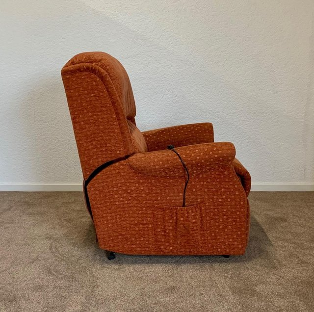 Image 18 of CELEBRITY ELECTRIC RISER RECLINER DUAL MOTOR CHAIR DELIVERY