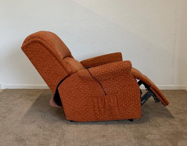 Image 19 of CELEBRITY ELECTRIC RISER RECLINER DUAL MOTOR CHAIR DELIVERY