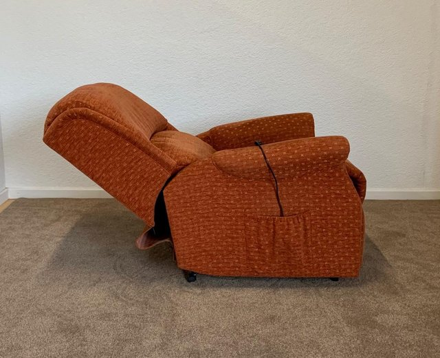 Image 20 of CELEBRITY ELECTRIC RISER RECLINER DUAL MOTOR CHAIR DELIVERY