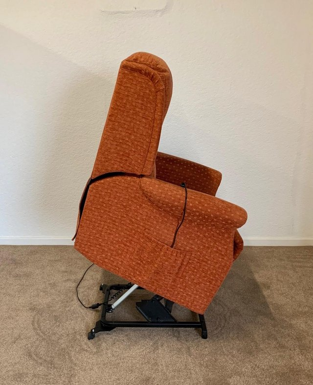 Image 23 of CELEBRITY ELECTRIC RISER RECLINER DUAL MOTOR CHAIR DELIVERY