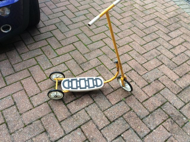Preview of the first image of Raleigh Scooter 1970s.