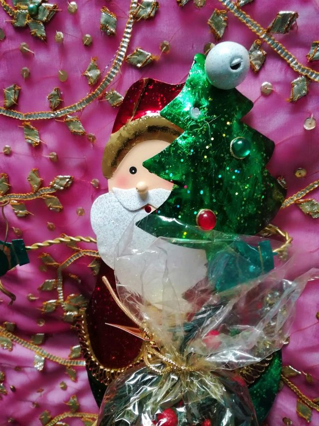 Image 2 of NEW FATHER CHRISTMAS AROMATIC Decoration Tree Star Santa