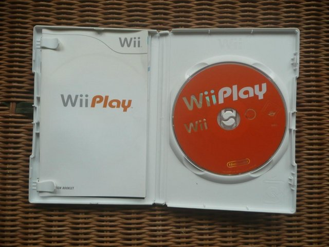 Image 2 of Nintendo Wii console and Wii Play disc