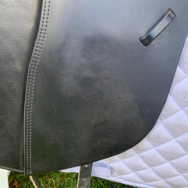 Image 2 of Kent and Masters 17 inch high wither dressage saddle