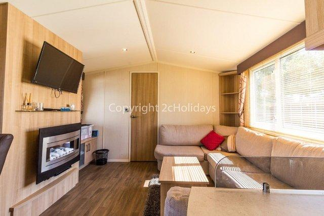 Image 9 of UK holiday static caravan for hire near beach  80025S