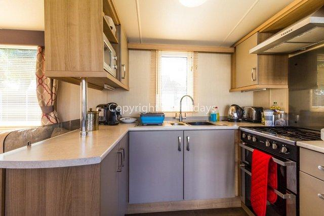 Image 10 of UK holiday static caravan for hire near beach  80025S