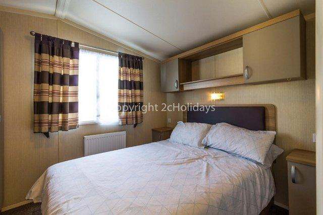Image 14 of UK holiday static caravan for hire near beach  80025S