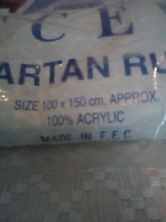 Image 2 of Tartan travel rug/blanket