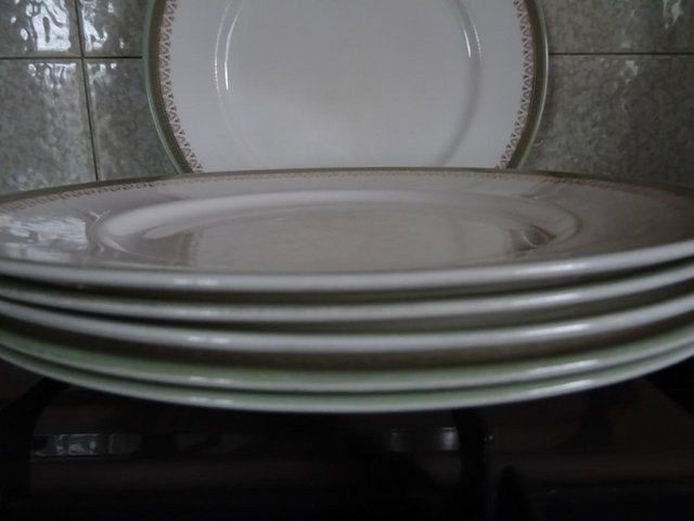 Image 3 of 2ND QUALITY ROYAL ALBERT & PARRAGON KENSINGTON DINNER PLATES