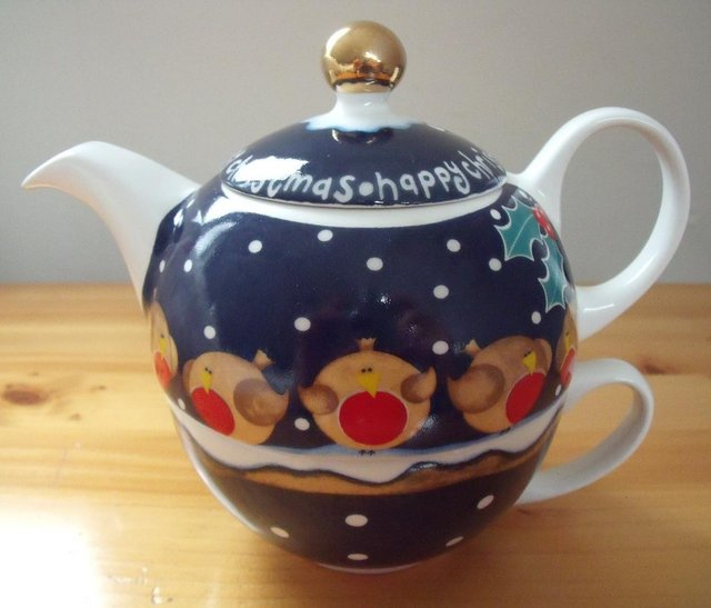 Preview of the first image of 1 cup teapot/cup 'HAPPY CHRISTMAS' Arthur Wood..