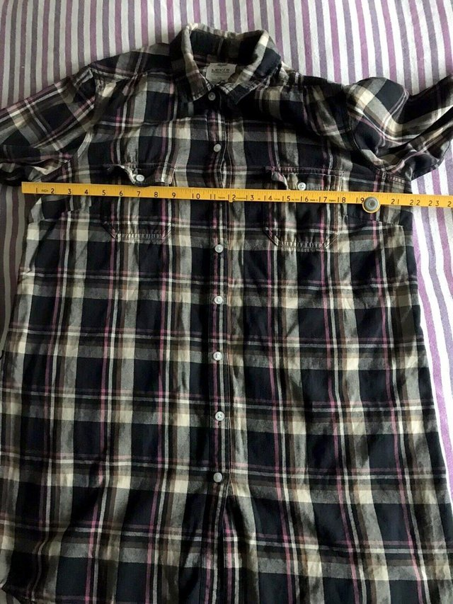 Preview of the first image of Ladies Levi Strauss Long Cotton Flannel Shirt Size Large.