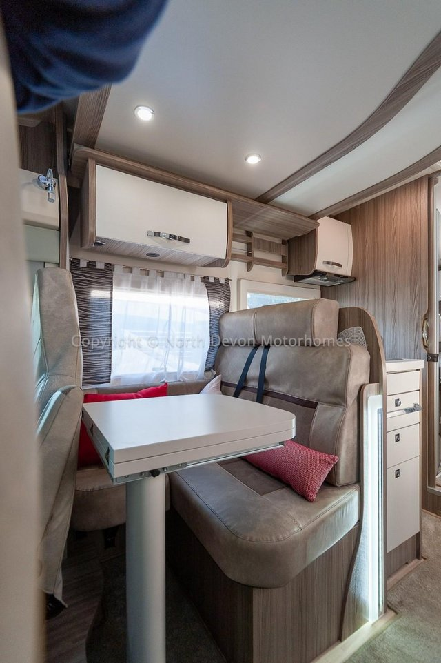 Image 15 of SOLD: Benimar Tessoro T494 Automatic, Island Bed
