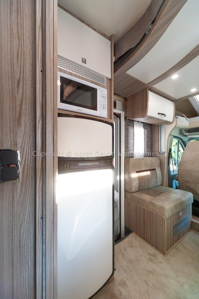 Image 20 of SOLD: Benimar Tessoro T494 Automatic, Island Bed