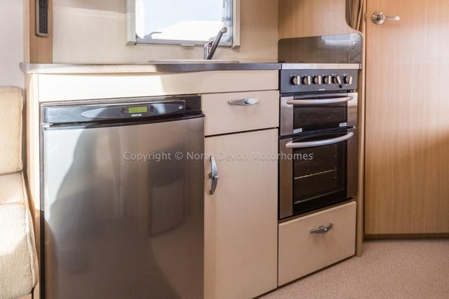 Image 6 of SOLD:  Bessacarr E450, 2011, 4 Berth, Low Profile,