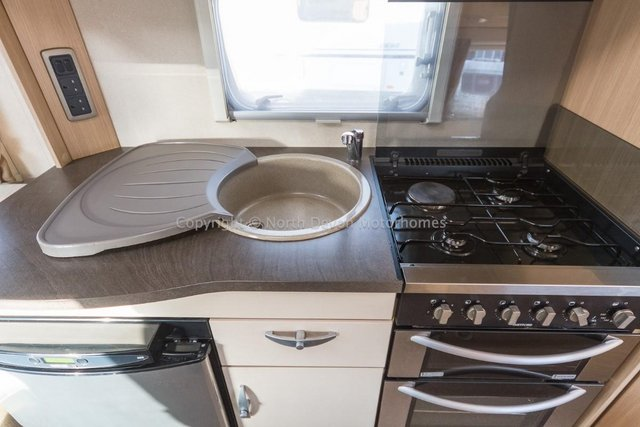 Image 8 of SOLD:  Bessacarr E450, 2011, 4 Berth, Low Profile,