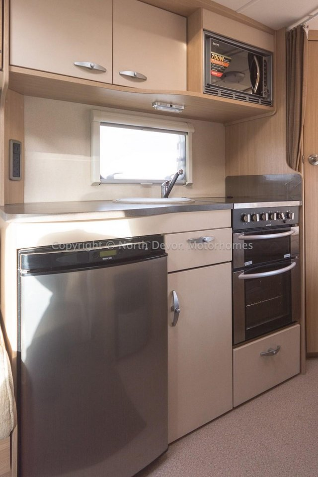 Image 9 of SOLD:  Bessacarr E450, 2011, 4 Berth, Low Profile,