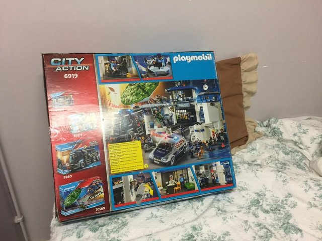 Image 4 of Playmobil 6919 City Action Police Headquarters with Prison