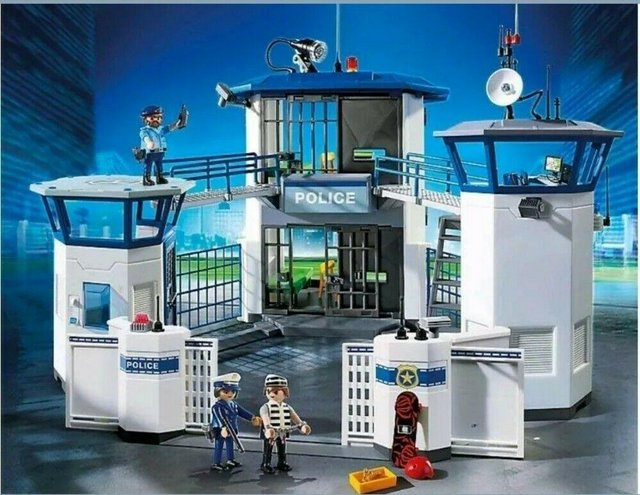 Image 6 of Playmobil 6919 City Action Police Headquarters with Prison