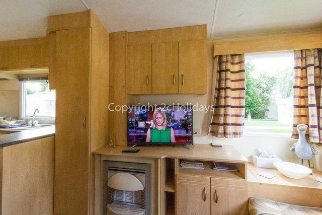Image 4 of Pet friendly static caravan for Haven holiday hire 11012BC