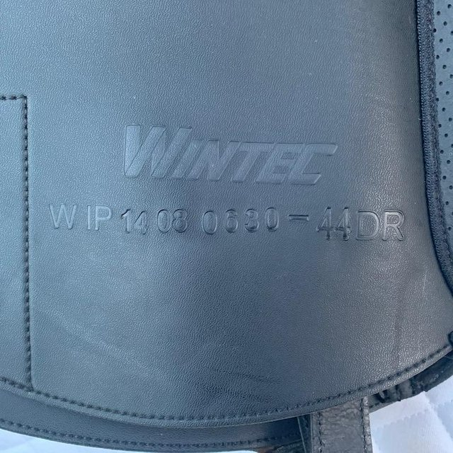 Image 9 of Wintec Isabell Werth 17.5 inch dressage saddle