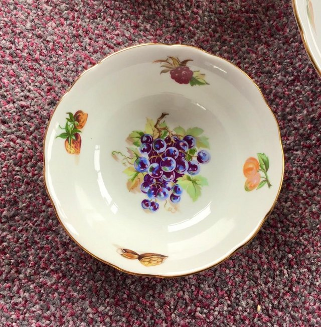 Image 3 of Lovely UNUSED vintage large bowl and matching dishes