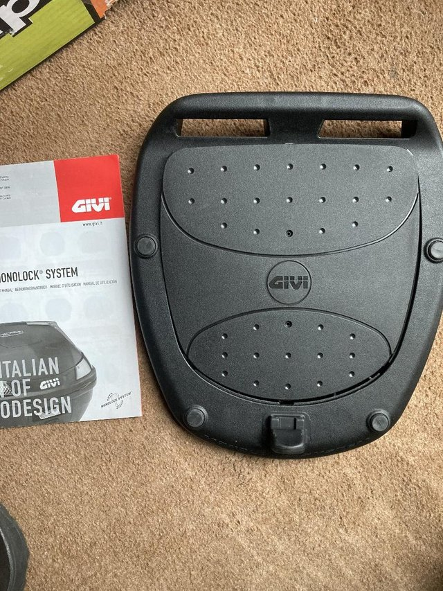 Image 2 of GIVI Monolock Motorcycle Top box Mount