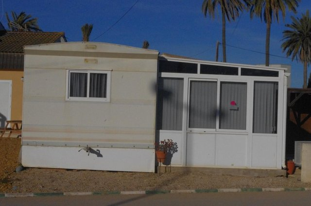 Image 2 of PRE-OWNED 8X4 ALUVASAMOBILE/PARK HOME WITH CONSERVATORY A94