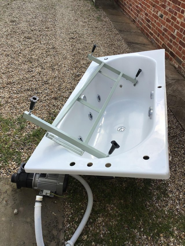 Preview of the first image of Jacuzzi Bath and Motor reduced.
