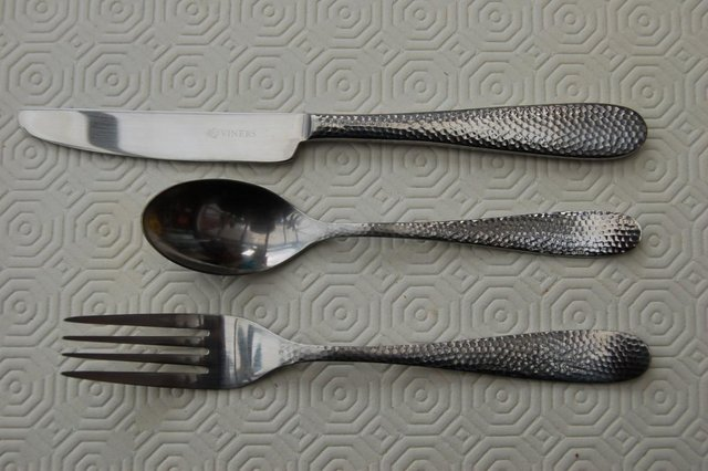 Image 3 of Viners 'Glamour' & 'Old English' Stainless Vintage Cutlery