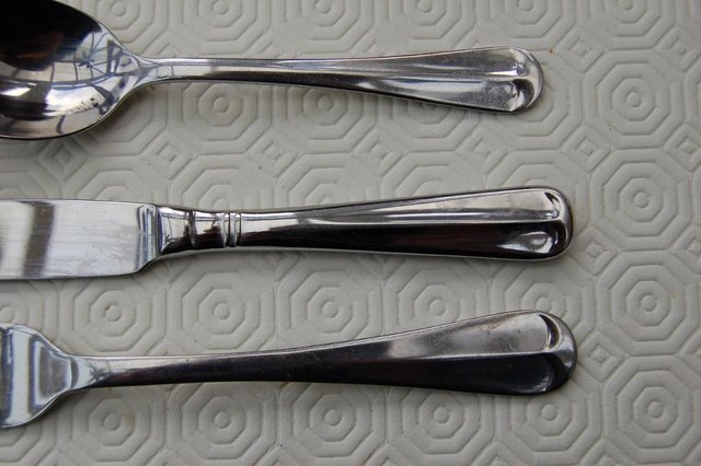Image 10 of Viners 'Glamour' & 'Old English' Stainless Vintage Cutlery