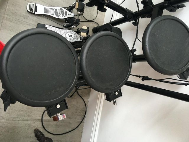 Preview of the first image of ROLAND 3xPD-8s + SPARES.