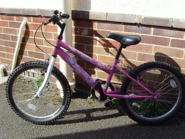 Image 3 of Girls first cycle