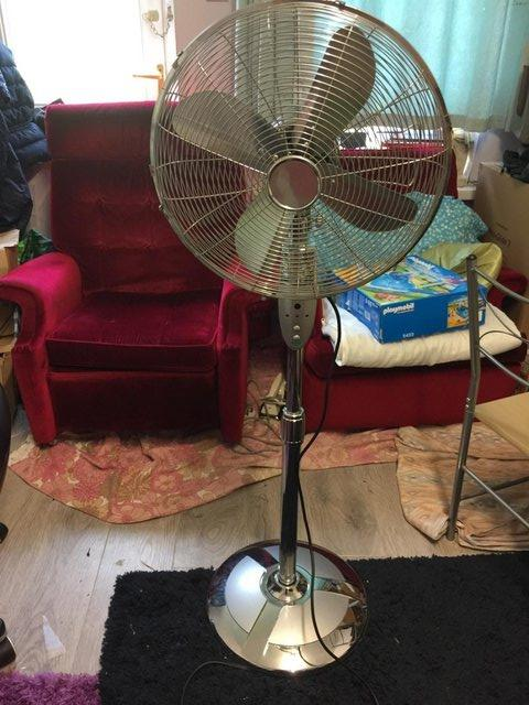 """Preview of the first image of 16"""" Chrome Pedestal Fan Freestanding Cool 3 Speed STAINLESS."""