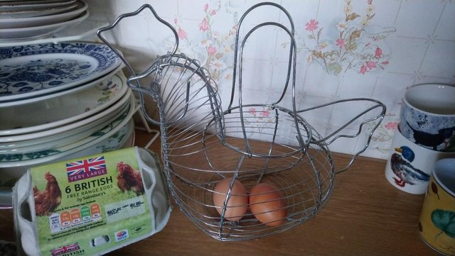 Preview of the first image of Wire Chicken Eggs Basket.