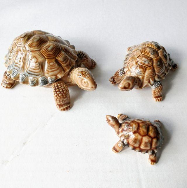 Preview of the first image of Wade Porcelain Tortoise Set of 3 Graduated Figures.