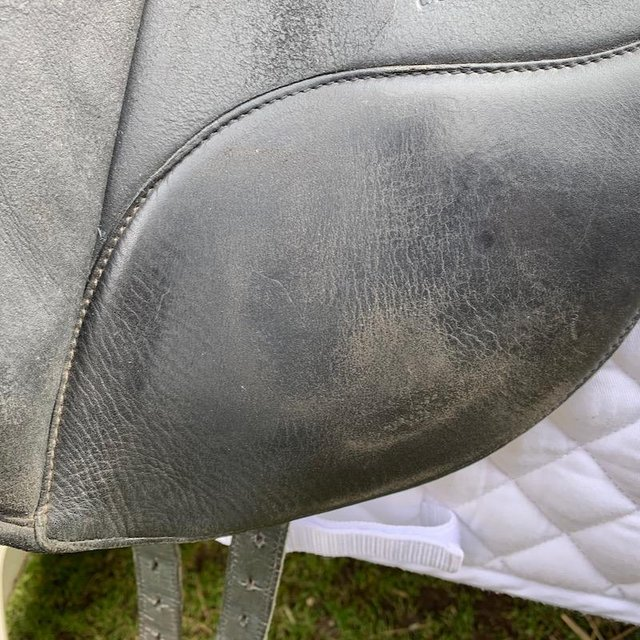 Image 2 of Wintec Isabell Werth 17.5 inch dressage saddle