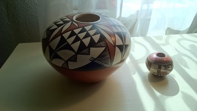 Preview of the first image of Original vintage signed first nation pottery.