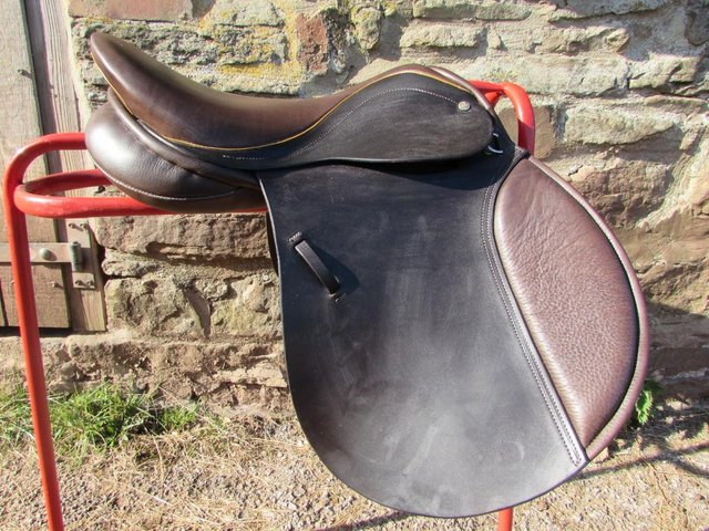 Image 10 of Stunning Barnsby 16 W Pony Club approved GP Saddle exc cond