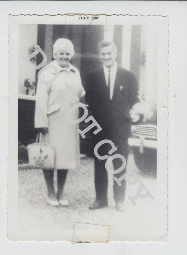 Preview of the first image of BP01 Original Private Photo Beatle George Harrison's Mother.