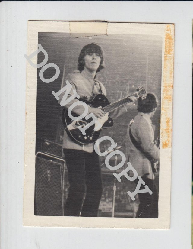Preview of the first image of BP06 Original Photo of Beatles Shea Stadium George Harrison.