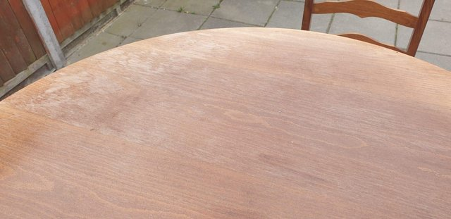 Image 4 of Retro classicdining table and chairs