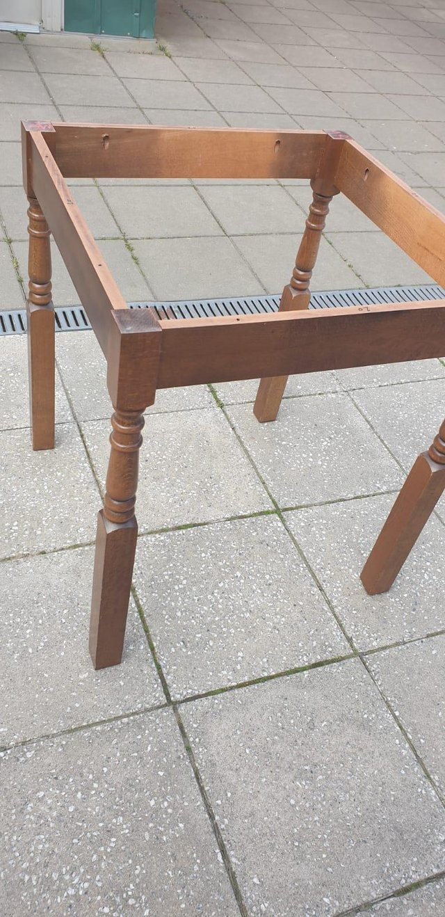 Image 8 of Retro classicdining table and chairs